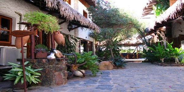 Baobab cafe exterieur