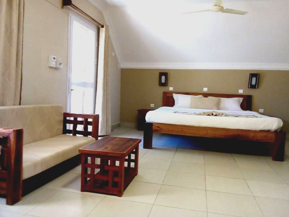 Chambre hotel le lagon bleu morondava