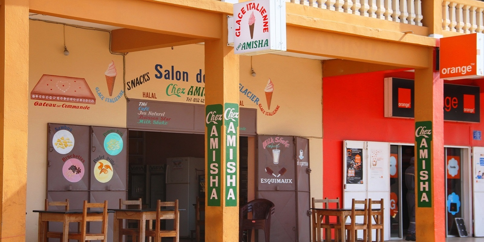 SALON DE THE CHEZ AMISHA MORONDAVA
